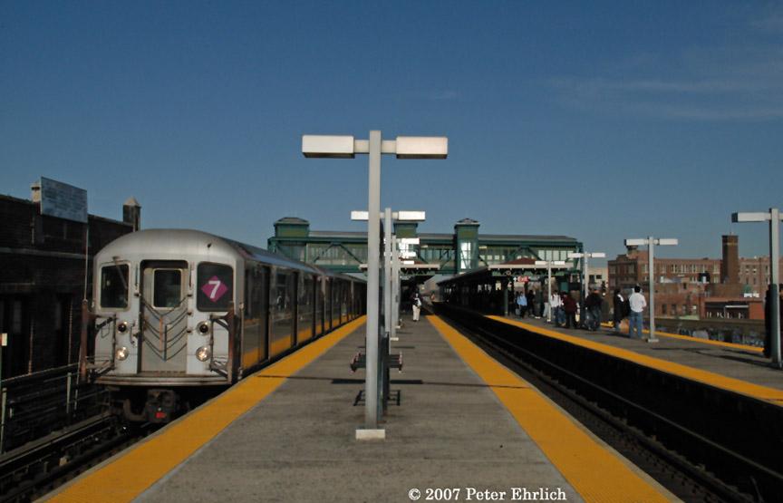(134k, 864x555)<br><b>Country:</b> United States<br><b>City:</b> New York<br><b>System:</b> New York City Transit<br><b>Line:</b> IRT Flushing Line<br><b>Location:</b> Junction Boulevard <br><b>Car:</b> R-62A (Bombardier, 1984-1987)  1811 <br><b>Photo by:</b> Peter Ehrlich<br><b>Date:</b> 4/20/2007<br><b>Viewed (this week/total):</b> 0 / 2121