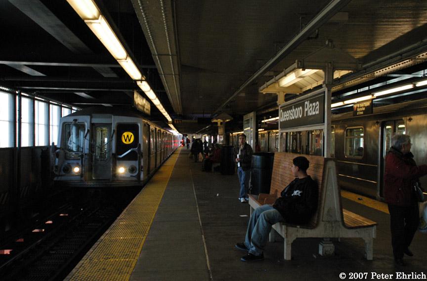 (175k, 864x568)<br><b>Country:</b> United States<br><b>City:</b> New York<br><b>System:</b> New York City Transit<br><b>Line:</b> BMT Astoria Line<br><b>Location:</b> Queensborough Plaza <br><b>Car:</b> R-40 (St. Louis, 1968)  4203 <br><b>Photo by:</b> Peter Ehrlich<br><b>Date:</b> 4/20/2007<br><b>Notes:</b> Queensboro Plaza inbound, with R62A 2113 on right.<br><b>Viewed (this week/total):</b> 2 / 2997