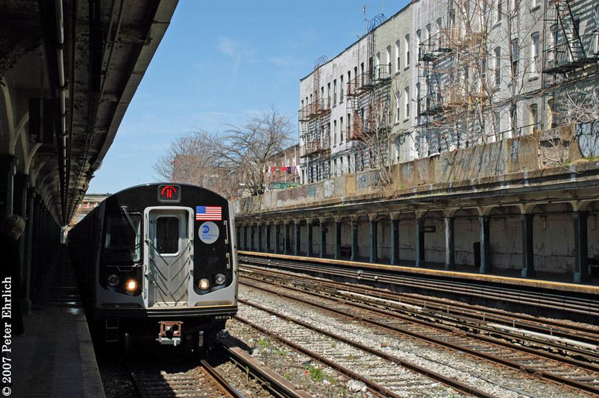 (254k, 864x574)<br><b>Country:</b> United States<br><b>City:</b> New York<br><b>System:</b> New York City Transit<br><b>Line:</b> BMT Sea Beach Line<br><b>Location:</b> 18th Avenue <br><b>Car:</b> R-160B (Kawasaki, 2005-2008)  8723 <br><b>Photo by:</b> Peter Ehrlich<br><b>Date:</b> 4/20/2007<br><b>Notes:</b> Arriving 18th Avenue outbound.<br><b>Viewed (this week/total):</b> 0 / 1982