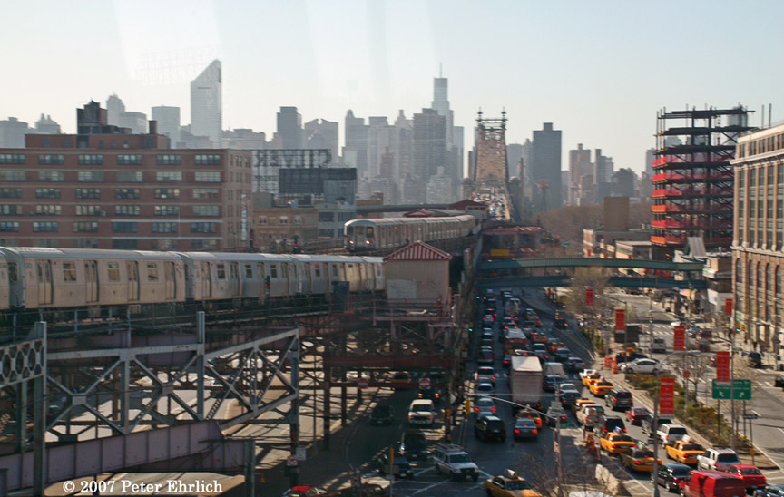 (186k, 864x548)<br><b>Country:</b> United States<br><b>City:</b> New York<br><b>System:</b> New York City Transit<br><b>Line:</b> BMT Astoria Line<br><b>Location:</b> Queensborough Plaza <br><b>Car:</b> R-160B (Kawasaki, 2005-2008)  8726 <br><b>Photo by:</b> Peter Ehrlich<br><b>Date:</b> 4/20/2007<br><b>Notes:</b> Approaching Queensboro Plaza inbound, with outbound R40M/R42 train leaving.<br><b>Viewed (this week/total):</b> 5 / 5819