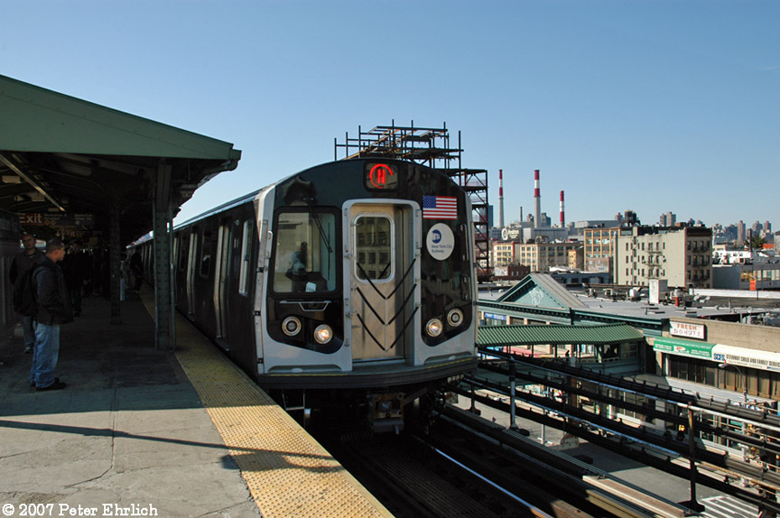 (185k, 864x574)<br><b>Country:</b> United States<br><b>City:</b> New York<br><b>System:</b> New York City Transit<br><b>Line:</b> BMT Astoria Line<br><b>Location:</b> Queensborough Plaza <br><b>Car:</b> R-160B (Kawasaki, 2005-2008)  8753 <br><b>Photo by:</b> Peter Ehrlich<br><b>Date:</b> 4/20/2007<br><b>Notes:</b> At Queensboro Plaza outbound.<br><b>Viewed (this week/total):</b> 1 / 2583