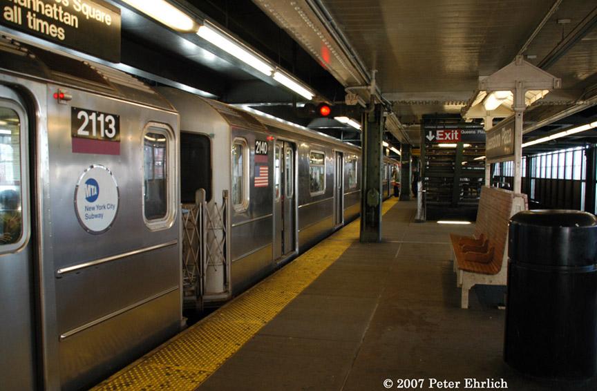 (186k, 864x566)<br><b>Country:</b> United States<br><b>City:</b> New York<br><b>System:</b> New York City Transit<br><b>Line:</b> IRT Flushing Line<br><b>Location:</b> Queensborough Plaza <br><b>Car:</b> R-62A (Bombardier, 1984-1987)  2113 <br><b>Photo by:</b> Peter Ehrlich<br><b>Date:</b> 4/20/2007<br><b>Notes:</b> At Queensboro Plaza outbound. With 2140.<br><b>Viewed (this week/total):</b> 0 / 2008