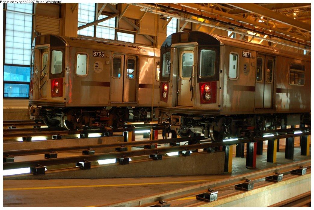 (217k, 1044x700)<br><b>Country:</b> United States<br><b>City:</b> New York<br><b>System:</b> New York City Transit<br><b>Location:</b> East 180th Street Shop<br><b>Car:</b> R-142 (Primary Order, Bombardier, 1999-2002)  6725/6871 <br><b>Photo by:</b> Brian Weinberg<br><b>Date:</b> 4/15/2007<br><b>Viewed (this week/total):</b> 1 / 3293
