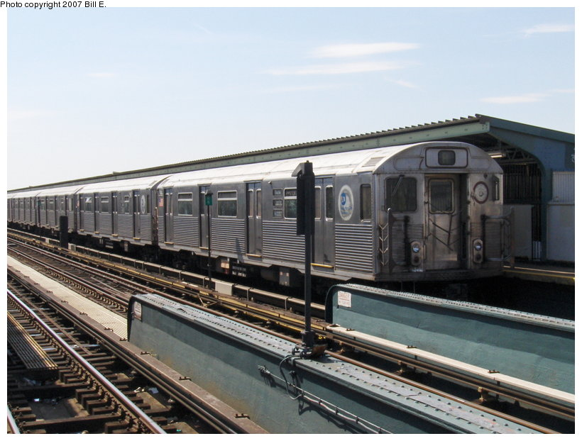 (109k, 820x622)<br><b>Country:</b> United States<br><b>City:</b> New York<br><b>System:</b> New York City Transit<br><b>Line:</b> IND Fulton Street Line<br><b>Location:</b> Rockaway Boulevard <br><b>Route:</b> A<br><b>Car:</b> R-38 (St. Louis, 1966-1967)   <br><b>Photo by:</b> Bill E.<br><b>Date:</b> 4/22/2007<br><b>Viewed (this week/total):</b> 3 / 1984
