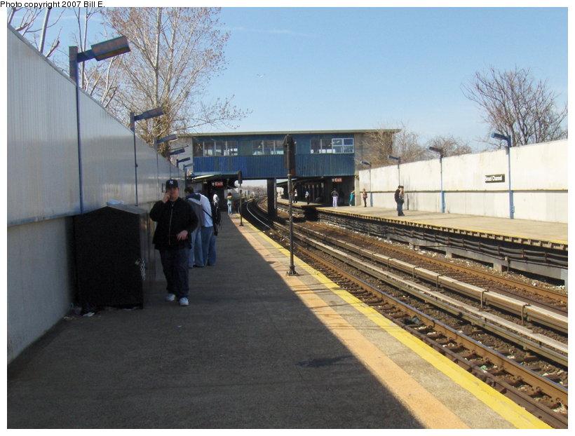 (116k, 820x622)<br><b>Country:</b> United States<br><b>City:</b> New York<br><b>System:</b> New York City Transit<br><b>Line:</b> IND Rockaway<br><b>Location:</b> Broad Channel <br><b>Photo by:</b> Bill E.<br><b>Date:</b> 4/22/2007<br><b>Viewed (this week/total):</b> 0 / 1359