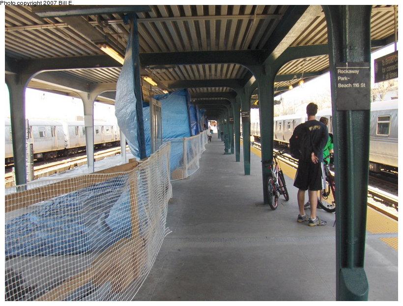 (138k, 820x622)<br><b>Country:</b> United States<br><b>City:</b> New York<br><b>System:</b> New York City Transit<br><b>Line:</b> IND Rockaway<br><b>Location:</b> Rockaway Park/Beach 116th Street <br><b>Photo by:</b> Bill E.<br><b>Date:</b> 4/22/2007<br><b>Viewed (this week/total):</b> 0 / 1535
