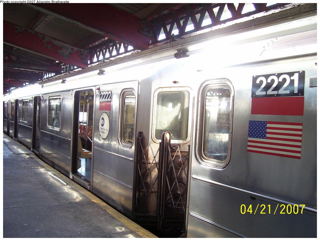 (186k, 1044x788)<br><b>Country:</b> United States<br><b>City:</b> New York<br><b>System:</b> New York City Transit<br><b>Line:</b> IRT Brooklyn Line<br><b>Location:</b> New Lots Avenue <br><b>Route:</b> 3<br><b>Car:</b> R-62A (Bombardier, 1984-1987)  2221/2222 <br><b>Photo by:</b> Aliandro Brathwaite<br><b>Date:</b> 4/21/2007<br><b>Viewed (this week/total):</b> 3 / 3278