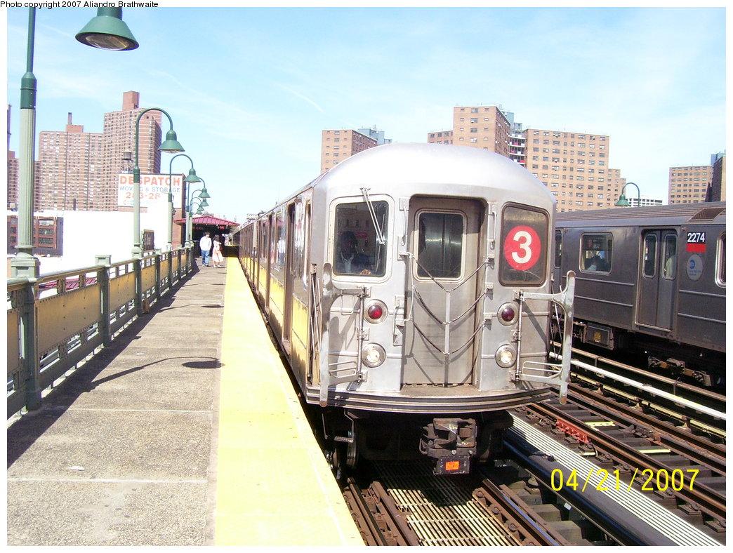 (224k, 1044x788)<br><b>Country:</b> United States<br><b>City:</b> New York<br><b>System:</b> New York City Transit<br><b>Line:</b> IRT West Side Line<br><b>Location:</b> 125th Street <br><b>Route:</b> 3<br><b>Car:</b> R-62A (Bombardier, 1984-1987)  2221 <br><b>Photo by:</b> Aliandro Brathwaite<br><b>Date:</b> 4/21/2007<br><b>Viewed (this week/total):</b> 0 / 2671