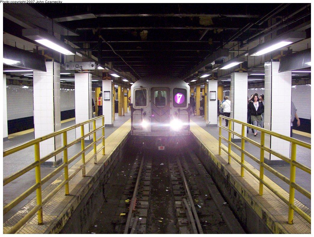 (188k, 1044x787)<br><b>Country:</b> United States<br><b>City:</b> New York<br><b>System:</b> New York City Transit<br><b>Line:</b> IRT Flushing Line<br><b>Location:</b> Main Street/Flushing <br><b>Route:</b> 7<br><b>Car:</b> R-62A (Bombardier, 1984-1987)  2095 <br><b>Photo by:</b> John Czarnecky<br><b>Date:</b> 4/2/2007<br><b>Viewed (this week/total):</b> 0 / 4761