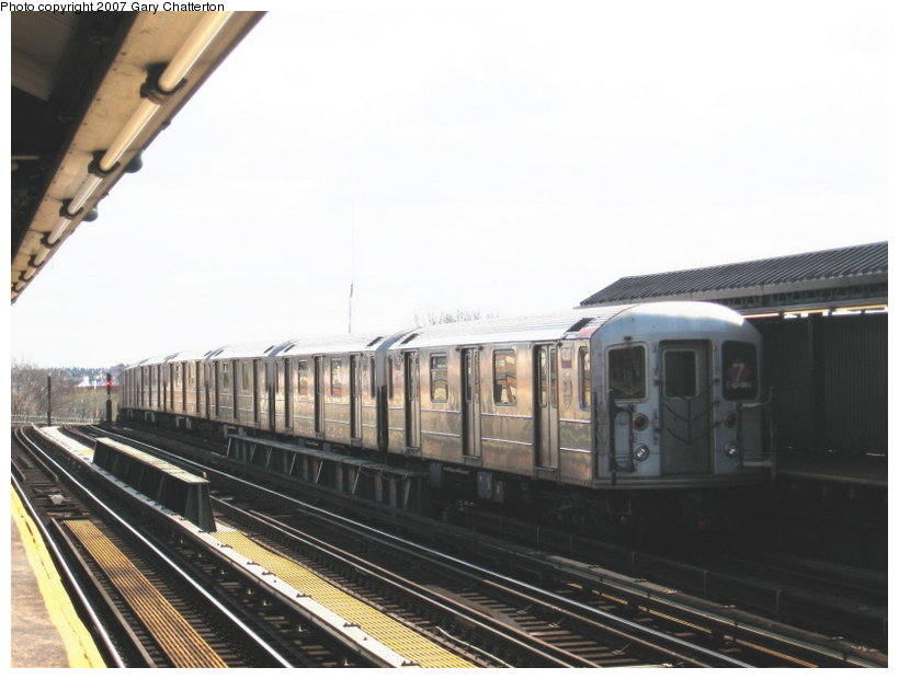 (87k, 820x620)<br><b>Country:</b> United States<br><b>City:</b> New York<br><b>System:</b> New York City Transit<br><b>Line:</b> IRT Flushing Line<br><b>Location:</b> 52nd Street/Lincoln Avenue <br><b>Route:</b> 7<br><b>Car:</b> R-62A (Bombardier, 1984-1987)  1791 <br><b>Photo by:</b> Gary Chatterton<br><b>Date:</b> 4/13/2007<br><b>Viewed (this week/total):</b> 0 / 1515