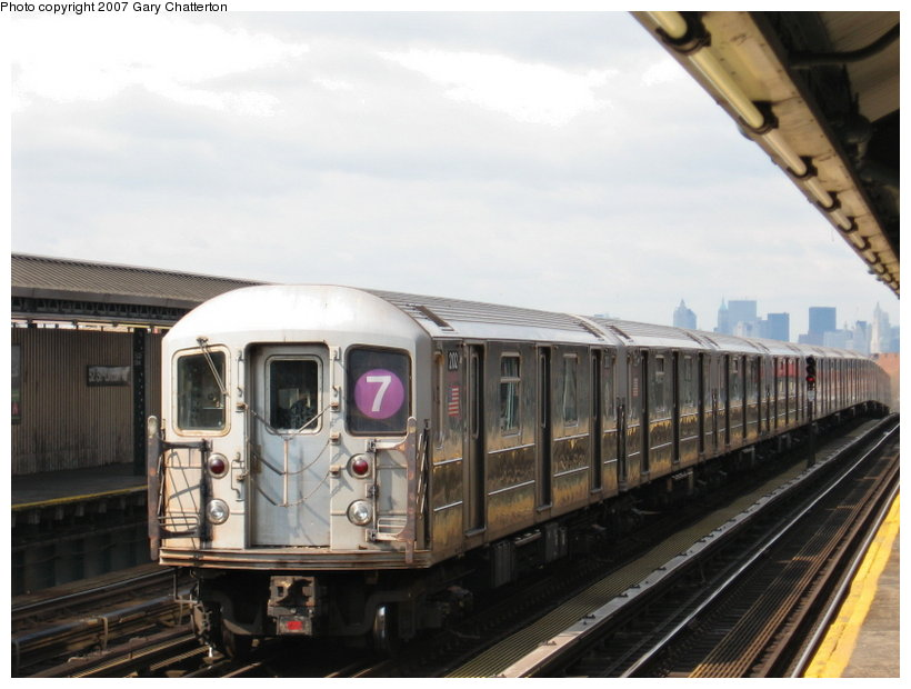 (95k, 820x620)<br><b>Country:</b> United States<br><b>City:</b> New York<br><b>System:</b> New York City Transit<br><b>Line:</b> IRT Flushing Line<br><b>Location:</b> 52nd Street/Lincoln Avenue <br><b>Route:</b> 7<br><b>Car:</b> R-62A (Bombardier, 1984-1987)  2102 <br><b>Photo by:</b> Gary Chatterton<br><b>Date:</b> 4/13/2007<br><b>Viewed (this week/total):</b> 0 / 1777