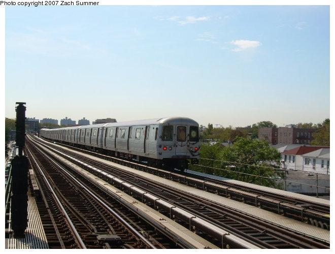 (115k, 660x500)<br><b>Country:</b> United States<br><b>City:</b> New York<br><b>System:</b> New York City Transit<br><b>Line:</b> BMT Culver Line<br><b>Location:</b> Avenue P <br><b>Route:</b> G<br><b>Car:</b> R-46 (Pullman-Standard, 1974-75)  <br><b>Photo by:</b> Zach Summer<br><b>Date:</b> 9/30/2006<br><b>Viewed (this week/total):</b> 1 / 1649