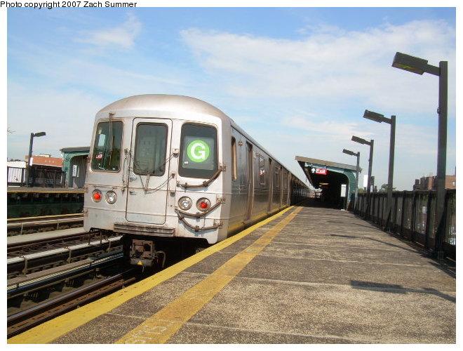 (122k, 660x500)<br><b>Country:</b> United States<br><b>City:</b> New York<br><b>System:</b> New York City Transit<br><b>Line:</b> BMT Culver Line<br><b>Location:</b> Avenue P <br><b>Route:</b> G<br><b>Car:</b> R-46 (Pullman-Standard, 1974-75)  <br><b>Photo by:</b> Zach Summer<br><b>Date:</b> 9/30/2006<br><b>Viewed (this week/total):</b> 4 / 1727