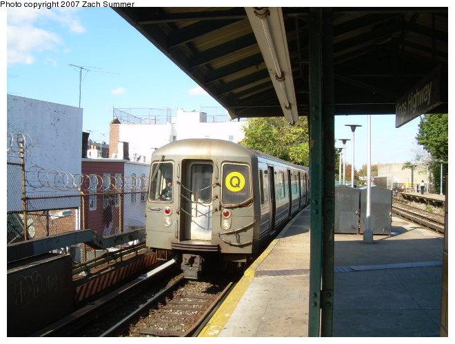(122k, 660x500)<br><b>Country:</b> United States<br><b>City:</b> New York<br><b>System:</b> New York City Transit<br><b>Line:</b> BMT Brighton Line<br><b>Location:</b> Kings Highway <br><b>Route:</b> Q<br><b>Car:</b> R-68A (Kawasaki, 1988-1989)   <br><b>Photo by:</b> Zach Summer<br><b>Date:</b> 10/21/2006<br><b>Viewed (this week/total):</b> 2 / 1842