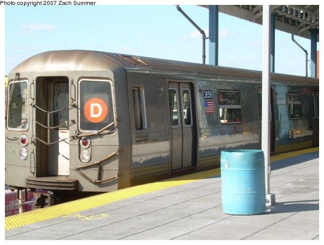 (110k, 660x500)<br><b>Country:</b> United States<br><b>City:</b> New York<br><b>System:</b> New York City Transit<br><b>Location:</b> Coney Island/Stillwell Avenue<br><b>Route:</b> D<br><b>Car:</b> R-68 (Westinghouse-Amrail, 1986-1988)  2658 <br><b>Photo by:</b> Zach Summer<br><b>Date:</b> 10/21/2006<br><b>Viewed (this week/total):</b> 0 / 2168