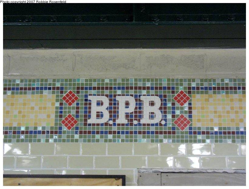 (122k, 820x624)<br><b>Country:</b> United States<br><b>City:</b> New York<br><b>System:</b> New York City Transit<br><b>Line:</b> IRT Woodlawn Line<br><b>Location:</b> Bedford Park Boulevard <br><b>Photo by:</b> Robbie Rosenfeld<br><b>Date:</b> 4/20/2007<br><b>Viewed (this week/total):</b> 0 / 1743