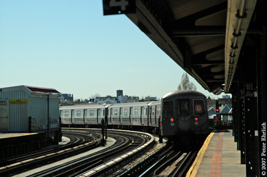 (158k, 864x574)<br><b>Country:</b> United States<br><b>City:</b> New York<br><b>System:</b> New York City Transit<br><b>Line:</b> BMT West End Line<br><b>Location:</b> 18th Avenue <br><b>Route:</b> D<br><b>Car:</b> R-68 (Westinghouse-Amrail, 1986-1988)  2586 <br><b>Photo by:</b> Peter Ehrlich<br><b>Date:</b> 4/20/2007<br><b>Viewed (this week/total):</b> 1 / 2309
