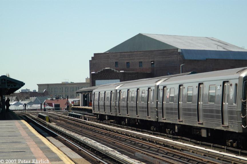 (164k, 864x574)<br><b>Country:</b> United States<br><b>City:</b> New York<br><b>System:</b> New York City Transit<br><b>Line:</b> BMT West End Line<br><b>Location:</b> 18th Avenue <br><b>Route:</b> D<br><b>Car:</b> R-68 (Westinghouse-Amrail, 1986-1988)  2645 <br><b>Photo by:</b> Peter Ehrlich<br><b>Date:</b> 4/20/2007<br><b>Viewed (this week/total):</b> 0 / 2435