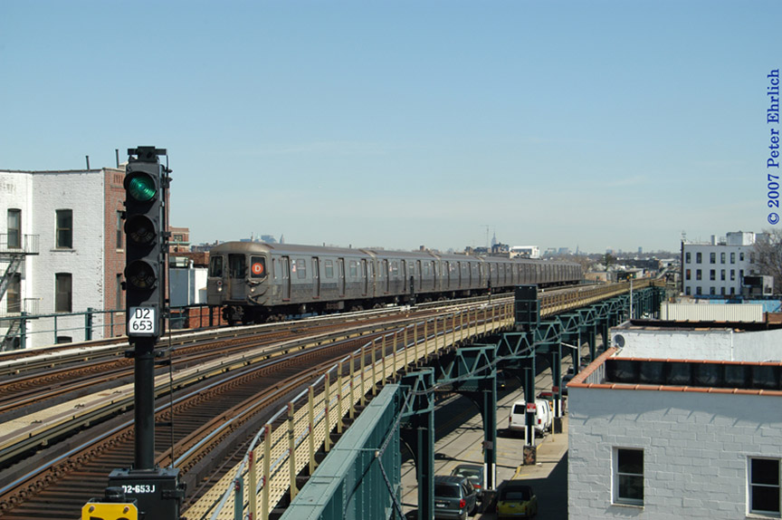 (176k, 864x574)<br><b>Country:</b> United States<br><b>City:</b> New York<br><b>System:</b> New York City Transit<br><b>Line:</b> BMT West End Line<br><b>Location:</b> 18th Avenue <br><b>Route:</b> D<br><b>Car:</b> R-68 (Westinghouse-Amrail, 1986-1988)  2646 <br><b>Photo by:</b> Peter Ehrlich<br><b>Date:</b> 4/20/2007<br><b>Viewed (this week/total):</b> 1 / 1938