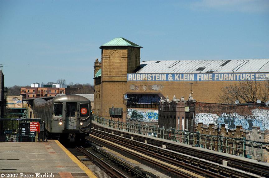 (206k, 864x574)<br><b>Country:</b> United States<br><b>City:</b> New York<br><b>System:</b> New York City Transit<br><b>Line:</b> BMT West End Line<br><b>Location:</b> 50th Street <br><b>Route:</b> D<br><b>Car:</b> R-68 (Westinghouse-Amrail, 1986-1988)  2646 <br><b>Photo by:</b> Peter Ehrlich<br><b>Date:</b> 4/20/2007<br><b>Viewed (this week/total):</b> 0 / 1741