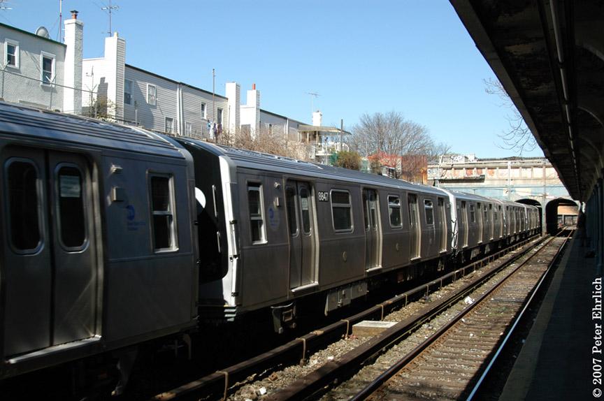 (178k, 864x574)<br><b>Country:</b> United States<br><b>City:</b> New York<br><b>System:</b> New York City Transit<br><b>Line:</b> BMT Sea Beach Line<br><b>Location:</b> 18th Avenue <br><b>Car:</b> R-160B (Kawasaki, 2005-2008)  8847 <br><b>Photo by:</b> Peter Ehrlich<br><b>Date:</b> 4/20/2007<br><b>Viewed (this week/total):</b> 1 / 1797