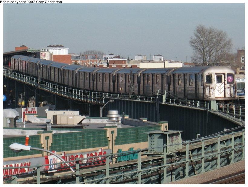 (123k, 820x620)<br><b>Country:</b> United States<br><b>City:</b> New York<br><b>System:</b> New York City Transit<br><b>Line:</b> IRT Flushing Line<br><b>Location:</b> 46th Street/Bliss Street <br><b>Route:</b> 7<br><b>Car:</b> R-62A (Bombardier, 1984-1987)  1821 <br><b>Photo by:</b> Gary Chatterton<br><b>Date:</b> 3/9/2007<br><b>Viewed (this week/total):</b> 0 / 1998