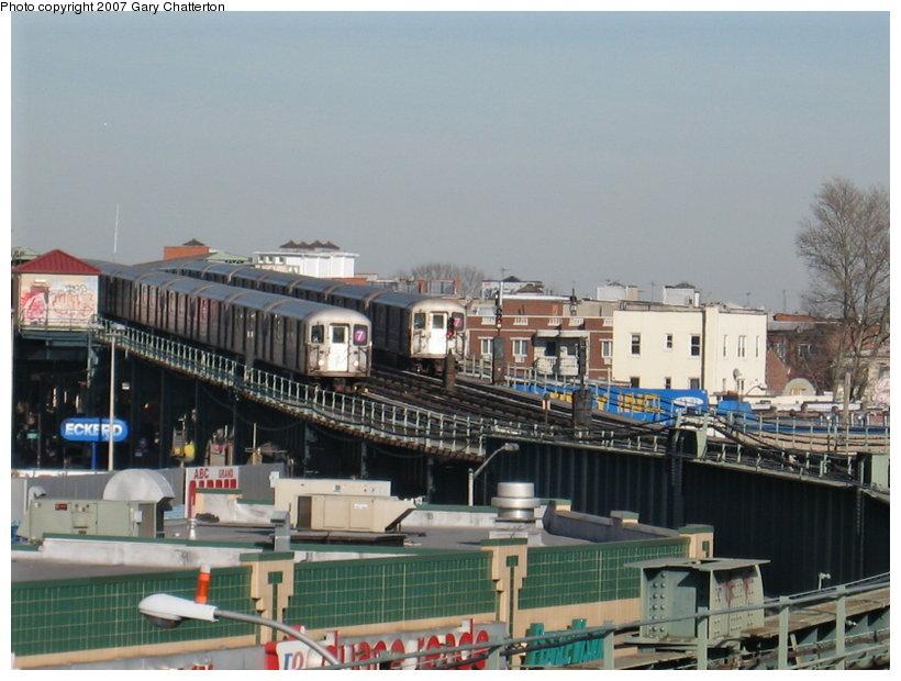 (106k, 820x620)<br><b>Country:</b> United States<br><b>City:</b> New York<br><b>System:</b> New York City Transit<br><b>Line:</b> IRT Flushing Line<br><b>Location:</b> 46th Street/Bliss Street <br><b>Route:</b> 7<br><b>Car:</b> R-62A (Bombardier, 1984-1987)  2002/1805 <br><b>Photo by:</b> Gary Chatterton<br><b>Date:</b> 3/9/2007<br><b>Viewed (this week/total):</b> 0 / 2570
