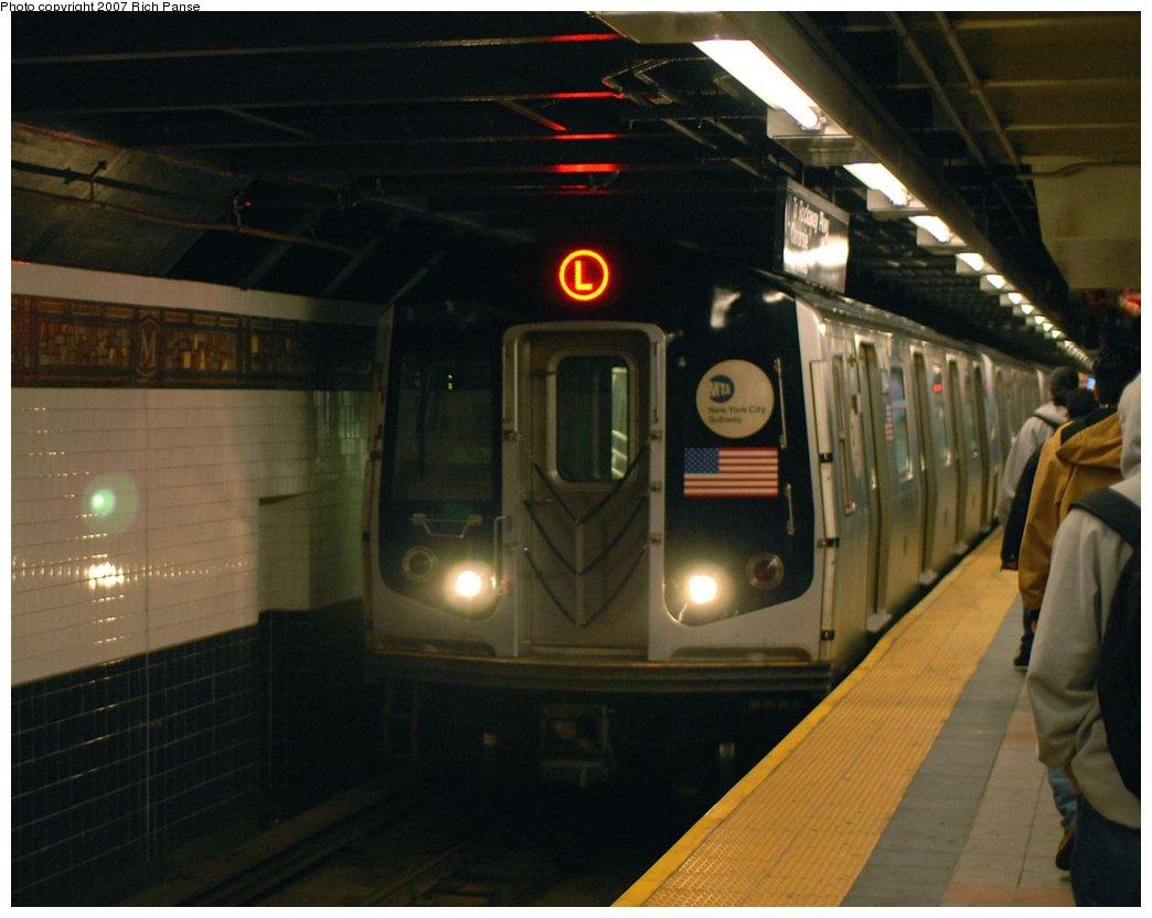 (128k, 1044x832)<br><b>Country:</b> United States<br><b>City:</b> New York<br><b>System:</b> New York City Transit<br><b>Line:</b> BMT Canarsie Line<br><b>Location:</b> Myrtle Avenue <br><b>Route:</b> L<br><b>Car:</b> R-143 (Kawasaki, 2001-2002)  <br><b>Photo by:</b> Richard Panse<br><b>Date:</b> 4/20/2007<br><b>Viewed (this week/total):</b> 1 / 2436