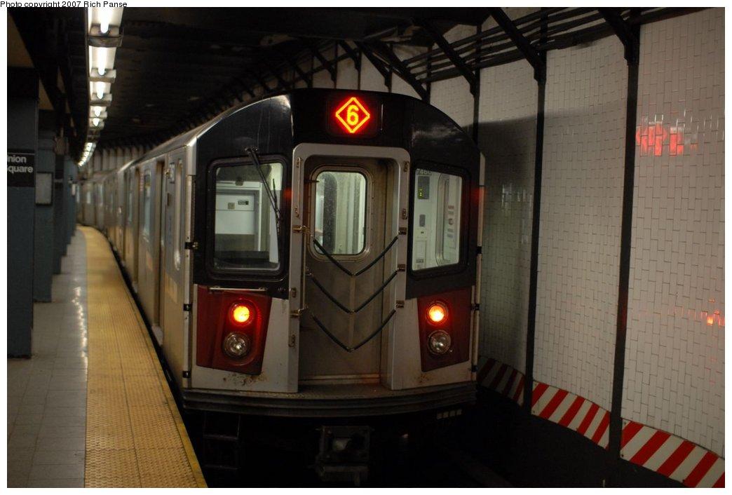 (138k, 1044x706)<br><b>Country:</b> United States<br><b>City:</b> New York<br><b>System:</b> New York City Transit<br><b>Line:</b> IRT East Side Line<br><b>Location:</b> 14th Street/Union Square <br><b>Route:</b> 6<br><b>Car:</b> R-142A (Primary Order, Kawasaki, 1999-2002)  7460 <br><b>Photo by:</b> Richard Panse<br><b>Date:</b> 4/20/2007<br><b>Viewed (this week/total):</b> 0 / 4519