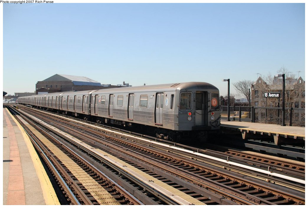 (186k, 1044x706)<br><b>Country:</b> United States<br><b>City:</b> New York<br><b>System:</b> New York City Transit<br><b>Line:</b> BMT West End Line<br><b>Location:</b> 18th Avenue <br><b>Route:</b> D<br><b>Car:</b> R-68 (Westinghouse-Amrail, 1986-1988)  2588 <br><b>Photo by:</b> Richard Panse<br><b>Date:</b> 4/20/2007<br><b>Viewed (this week/total):</b> 2 / 1604