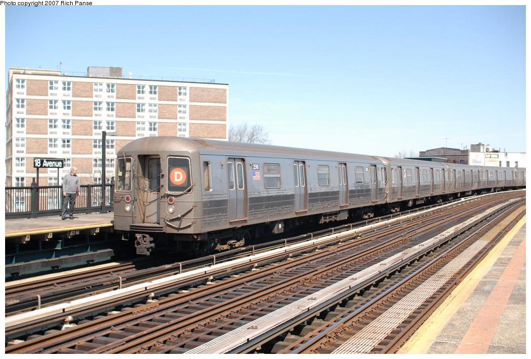 (198k, 1044x706)<br><b>Country:</b> United States<br><b>City:</b> New York<br><b>System:</b> New York City Transit<br><b>Line:</b> BMT West End Line<br><b>Location:</b> 18th Avenue <br><b>Route:</b> D<br><b>Car:</b> R-68 (Westinghouse-Amrail, 1986-1988)  2518 <br><b>Photo by:</b> Richard Panse<br><b>Date:</b> 4/20/2007<br><b>Viewed (this week/total):</b> 2 / 1721