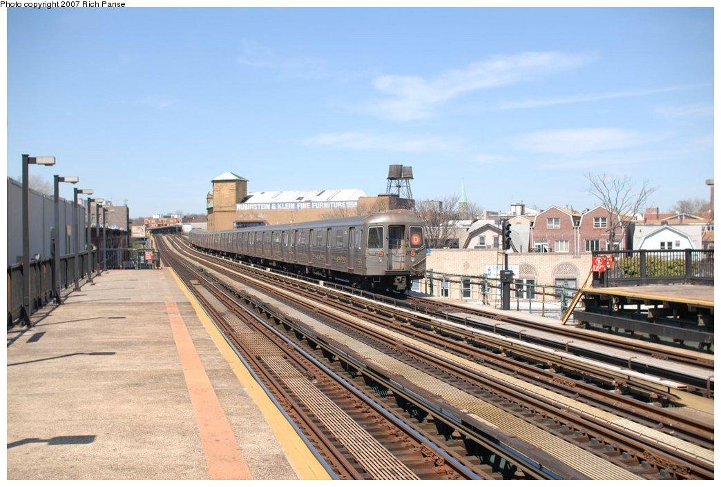 (191k, 1044x706)<br><b>Country:</b> United States<br><b>City:</b> New York<br><b>System:</b> New York City Transit<br><b>Line:</b> BMT West End Line<br><b>Location:</b> 50th Street <br><b>Route:</b> D<br><b>Car:</b> R-68 (Westinghouse-Amrail, 1986-1988)  2xxx <br><b>Photo by:</b> Richard Panse<br><b>Date:</b> 4/20/2007<br><b>Viewed (this week/total):</b> 3 / 1621