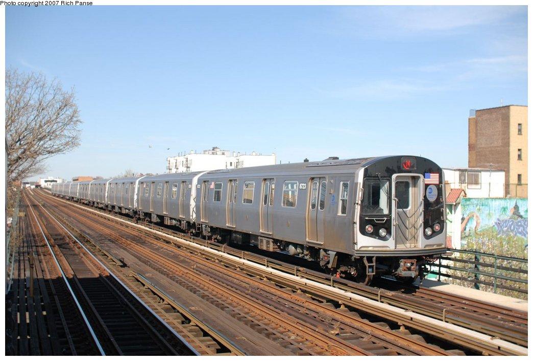 (173k, 1044x706)<br><b>Country:</b> United States<br><b>City:</b> New York<br><b>System:</b> New York City Transit<br><b>Line:</b> BMT Astoria Line<br><b>Location:</b> 36th/Washington Aves. <br><b>Route:</b> N<br><b>Car:</b> R-160B (Kawasaki, 2005-2008)  8723 <br><b>Photo by:</b> Richard Panse<br><b>Date:</b> 4/20/2007<br><b>Viewed (this week/total):</b> 0 / 2265