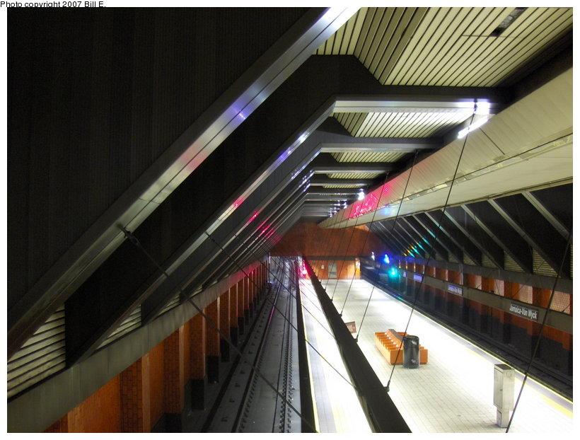 (111k, 820x622)<br><b>Country:</b> United States<br><b>City:</b> New York<br><b>System:</b> New York City Transit<br><b>Line:</b> IND Queens Boulevard Line<br><b>Location:</b> Jamaica/Van Wyck <br><b>Photo by:</b> Bill E.<br><b>Date:</b> 4/23/2007<br><b>Viewed (this week/total):</b> 0 / 2576