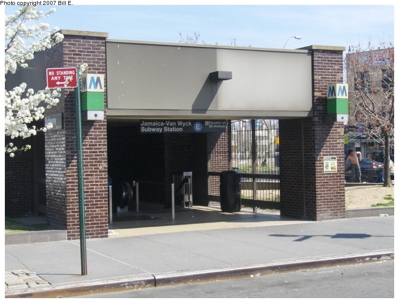 (113k, 820x622)<br><b>Country:</b> United States<br><b>City:</b> New York<br><b>System:</b> New York City Transit<br><b>Line:</b> IND Queens Boulevard Line<br><b>Location:</b> Jamaica/Van Wyck <br><b>Photo by:</b> Bill E.<br><b>Date:</b> 4/23/2007<br><b>Viewed (this week/total):</b> 0 / 4136