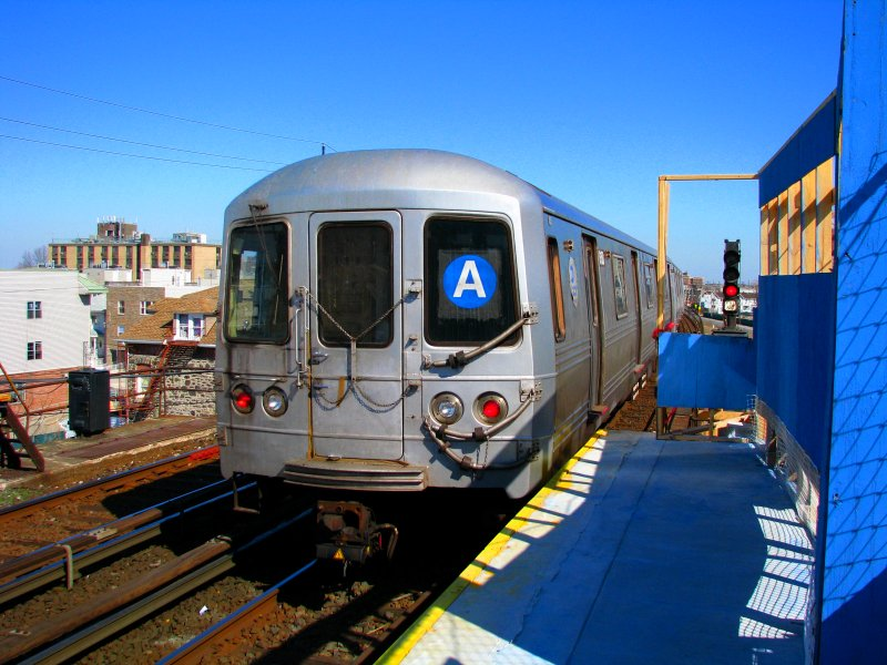 (119k, 800x600)<br><b>Country:</b> United States<br><b>City:</b> New York<br><b>System:</b> New York City Transit<br><b>Line:</b> IND Rockaway<br><b>Location:</b> Beach 67th Street/Gaston Avenue <br><b>Route:</b> A<br><b>Car:</b> R-46 (Pullman-Standard, 1974-75) 6150 <br><b>Photo by:</b> Bill E.<br><b>Date:</b> 3/7/2010<br><b>Viewed (this week/total):</b> 3 / 1226