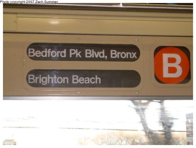 (84k, 660x500)<br><b>Country:</b> United States<br><b>City:</b> New York<br><b>System:</b> New York City Transit<br><b>Route:</b> B<br><b>Car:</b> R-40 (St. Louis, 1968)  Interior <br><b>Photo by:</b> Zach Summer<br><b>Date:</b> 11/21/2006<br><b>Viewed (this week/total):</b> 0 / 1900