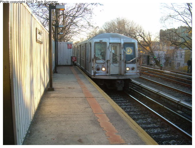 (130k, 660x500)<br><b>Country:</b> United States<br><b>City:</b> New York<br><b>System:</b> New York City Transit<br><b>Line:</b> BMT Brighton Line<br><b>Location:</b> Avenue M <br><b>Route:</b> Q<br><b>Car:</b> R-40 (St. Louis, 1968)   <br><b>Photo by:</b> Zach Summer<br><b>Date:</b> 12/2/2006<br><b>Viewed (this week/total):</b> 1 / 2643