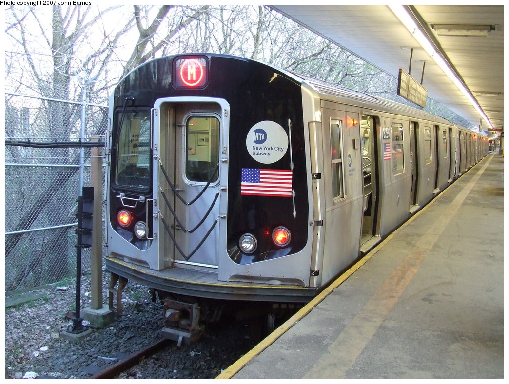 (239k, 1044x788)<br><b>Country:</b> United States<br><b>City:</b> New York<br><b>System:</b> New York City Transit<br><b>Line:</b> BMT Myrtle Avenue Line<br><b>Location:</b> Metropolitan Avenue <br><b>Route:</b> M<br><b>Car:</b> R-143 (Kawasaki, 2001-2002) 8285 <br><b>Photo by:</b> John Barnes<br><b>Date:</b> 4/21/2007<br><b>Viewed (this week/total):</b> 0 / 3188