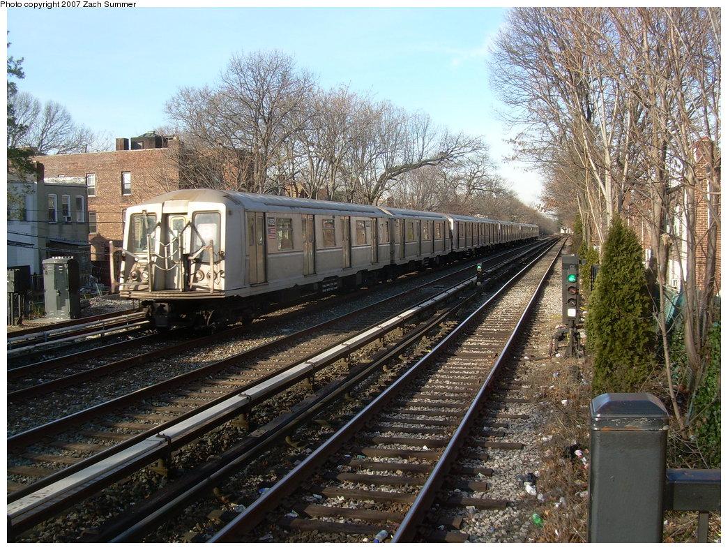 (314k, 1044x788)<br><b>Country:</b> United States<br><b>City:</b> New York<br><b>System:</b> New York City Transit<br><b>Line:</b> BMT Brighton Line<br><b>Location:</b> Avenue J <br><b>Route:</b> B<br><b>Car:</b> R-40 (St. Louis, 1968)  4362 <br><b>Photo by:</b> Zach Summer<br><b>Date:</b> 1/11/2007<br><b>Viewed (this week/total):</b> 0 / 2793
