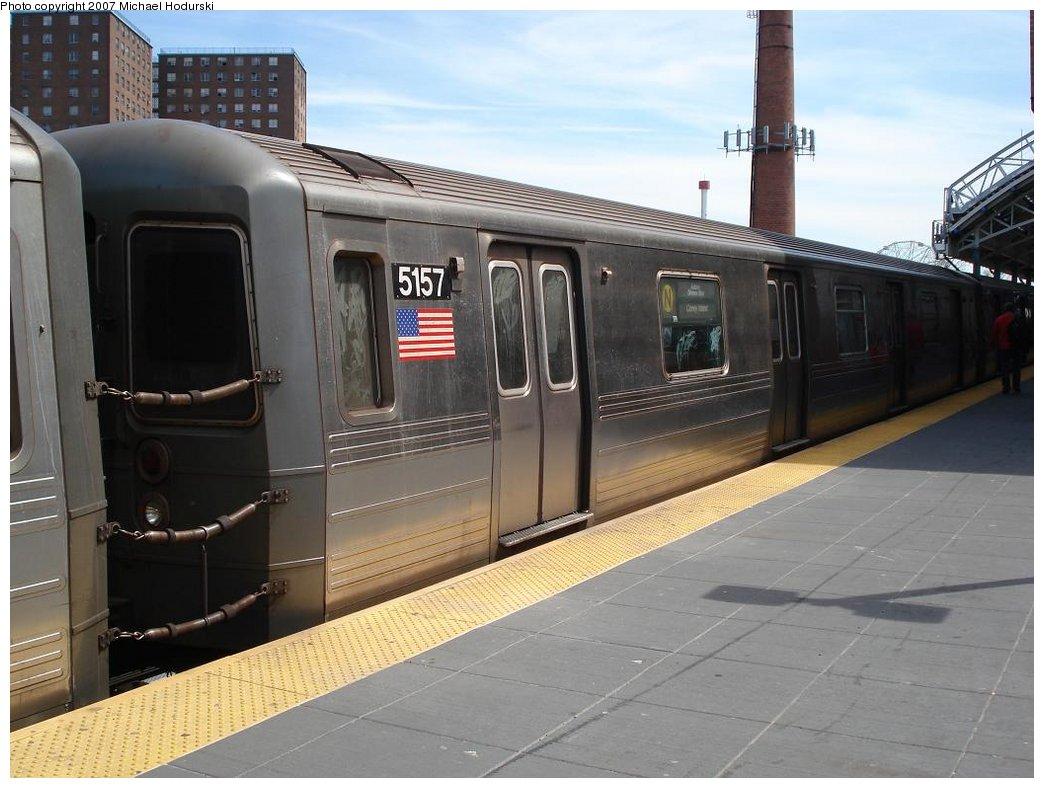 (161k, 1044x788)<br><b>Country:</b> United States<br><b>City:</b> New York<br><b>System:</b> New York City Transit<br><b>Location:</b> Coney Island/Stillwell Avenue<br><b>Route:</b> N<br><b>Car:</b> R-68A (Kawasaki, 1988-1989)  5157 <br><b>Photo by:</b> Michael Hodurski<br><b>Date:</b> 4/21/2007<br><b>Viewed (this week/total):</b> 0 / 2107