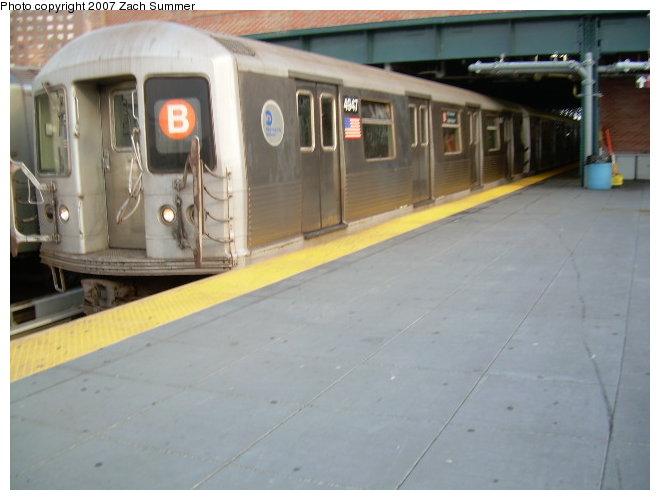 (94k, 660x500)<br><b>Country:</b> United States<br><b>City:</b> New York<br><b>System:</b> New York City Transit<br><b>Location:</b> Coney Island/Stillwell Avenue<br><b>Route:</b> B<br><b>Car:</b> R-42 (St. Louis, 1969-1970)  4947 <br><b>Photo by:</b> Zach Summer<br><b>Date:</b> 6/28/2006<br><b>Viewed (this week/total):</b> 3 / 2252