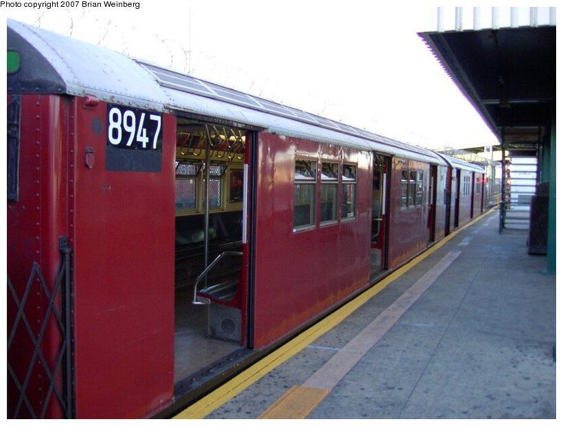 (79k, 820x620)<br><b>Country:</b> United States<br><b>City:</b> New York<br><b>System:</b> New York City Transit<br><b>Line:</b> IRT White Plains Road Line<br><b>Location:</b> East 180th Street <br><b>Route:</b> 5<br><b>Car:</b> R-33 Main Line (St. Louis, 1962-63) 8947 <br><b>Photo by:</b> Brian Weinberg<br><b>Date:</b> 8/7/2002<br><b>Viewed (this week/total):</b> 1 / 2874