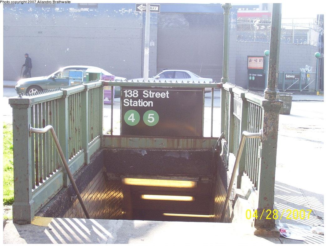 (181k, 1044x788)<br><b>Country:</b> United States<br><b>City:</b> New York<br><b>System:</b> New York City Transit<br><b>Line:</b> IRT Woodlawn Line<br><b>Location:</b> 138th Street (Mott Haven) <br><b>Photo by:</b> Aliandro Brathwaite<br><b>Date:</b> 4/28/2007<br><b>Notes:</b> Station entrance.<br><b>Viewed (this week/total):</b> 1 / 5136