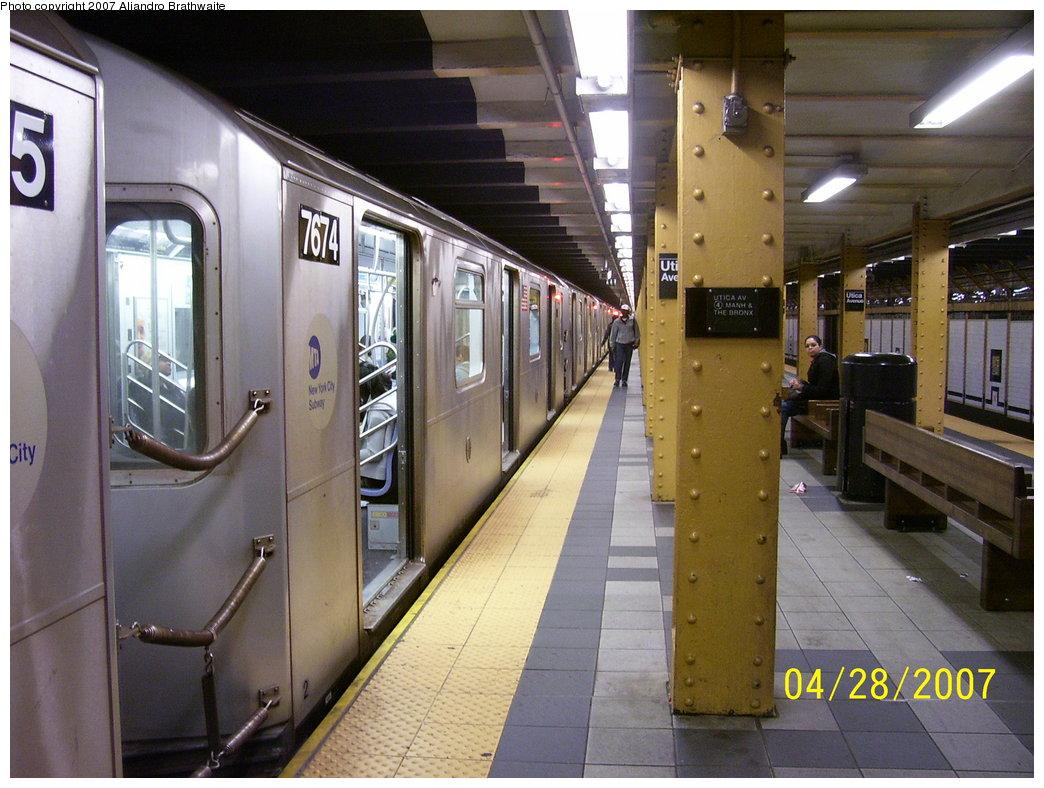 (186k, 1044x788)<br><b>Country:</b> United States<br><b>City:</b> New York<br><b>System:</b> New York City Transit<br><b>Line:</b> IRT Brooklyn Line<br><b>Location:</b> Utica Avenue <br><b>Route:</b> 4<br><b>Car:</b> R-142A (Option Order, Kawasaki, 2002-2003)  7674 <br><b>Photo by:</b> Aliandro Brathwaite<br><b>Date:</b> 4/28/2007<br><b>Viewed (this week/total):</b> 0 / 4859