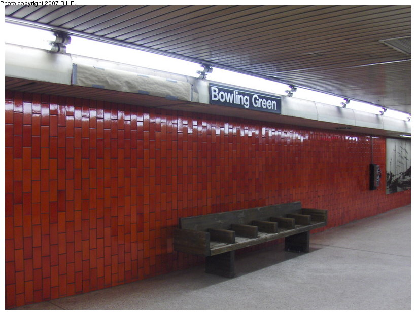 (102k, 820x622)<br><b>Country:</b> United States<br><b>City:</b> New York<br><b>System:</b> New York City Transit<br><b>Line:</b> IRT East Side Line<br><b>Location:</b> Bowling Green <br><b>Photo by:</b> Bill E.<br><b>Date:</b> 5/5/2007<br><b>Notes:</b> Platform view.<br><b>Viewed (this week/total):</b> 0 / 2132