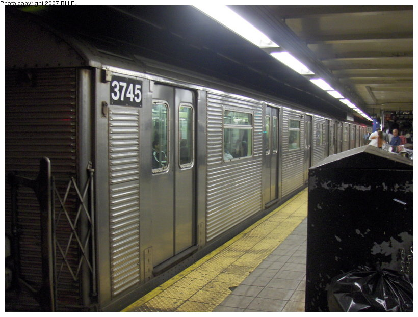 (105k, 820x622)<br><b>Country:</b> United States<br><b>City:</b> New York<br><b>System:</b> New York City Transit<br><b>Line:</b> IND Queens Boulevard Line<br><b>Location:</b> Roosevelt Avenue <br><b>Route:</b> E<br><b>Car:</b> R-32 (Budd, 1964)  3745 <br><b>Photo by:</b> Bill E.<br><b>Date:</b> 5/5/2007<br><b>Viewed (this week/total):</b> 0 / 2591