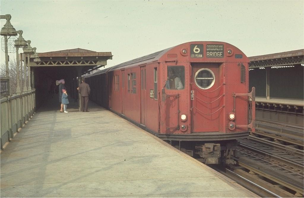 (155k, 1024x668)<br><b>Country:</b> United States<br><b>City:</b> New York<br><b>System:</b> New York City Transit<br><b>Line:</b> IRT Pelham Line<br><b>Location:</b> Westchester Square <br><b>Route:</b> 6<br><b>Car:</b> R-17 (St. Louis, 1955-56) 6815 <br><b>Photo by:</b> Joe Testagrose<br><b>Date:</b> 4/4/1970<br><b>Viewed (this week/total):</b> 0 / 2086