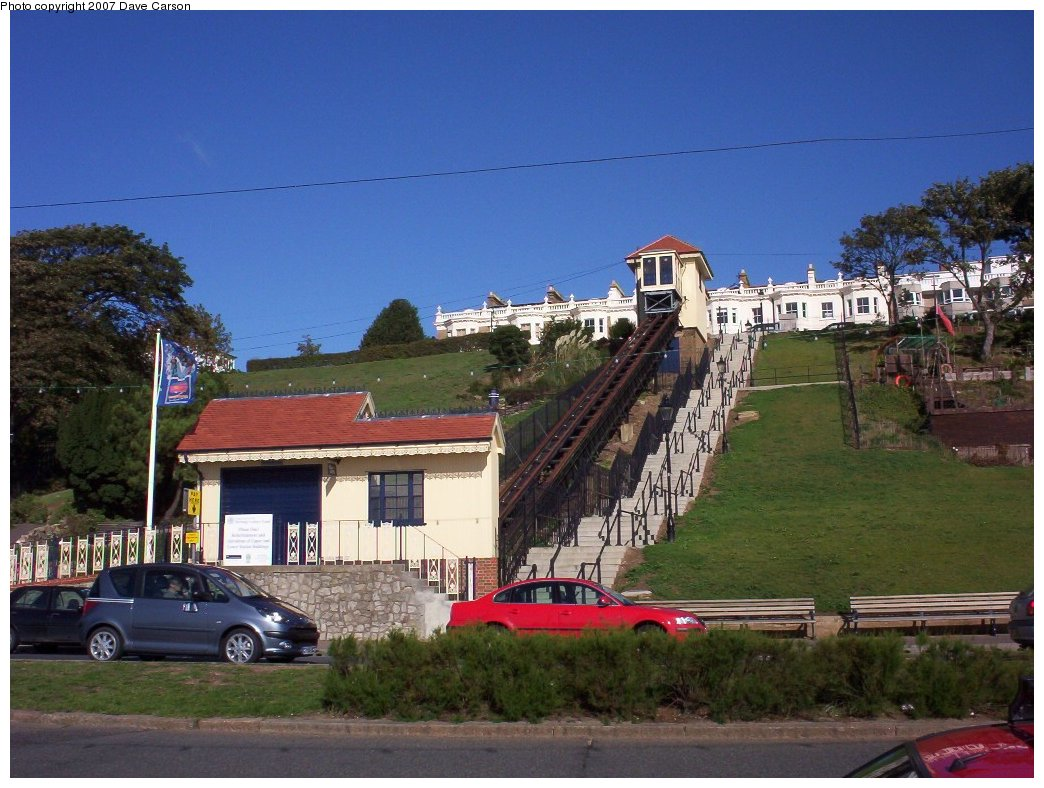 (202k, 1044x788)<br><b>Country:</b> United Kingdom<br><b>City:</b> Southend-on-Sea, Essex<br><b>System:</b> Southend Cliff Lift<br><b>Photo by:</b> Dave Carson<br><b>Date:</b> 10/7/2006<br><b>Notes:</b> The only funicular railway in Eastern England is the Southend Cliff Lift, built in 1912, it is 130 feet long and climbs 57 feet. The single car runs on 4ft 6in gauge track with a 1ft 9in gauge counterbalance beneath the main track.<br><b>Viewed (this week/total):</b> 1 / 1352