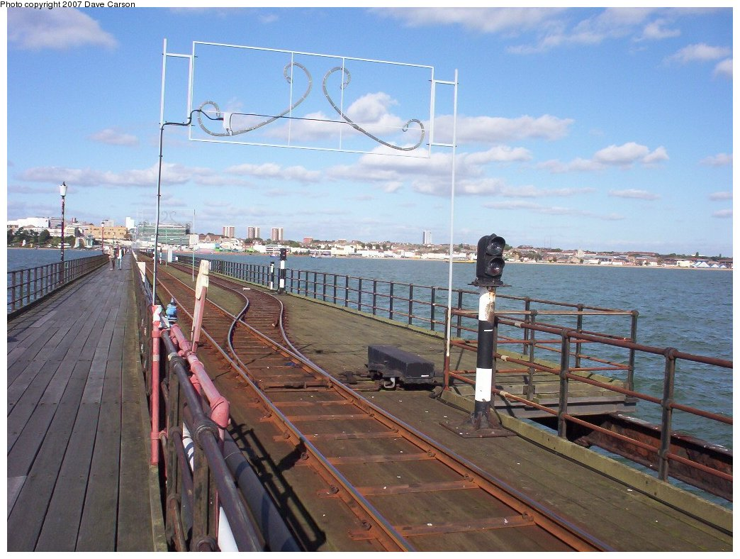 (202k, 1044x788)<br><b>Country:</b> United Kingdom<br><b>City:</b> Southend-on-Sea, Essex<br><b>System:</b> Southend Pier Railway<br><b>Photo by:</b> Dave Carson<br><b>Date:</b> 10/7/2006<br><b>Notes:</b> Mid-point passing loop showing steel-sleepered track, signalling and illuminations.<br><b>Viewed (this week/total):</b> 0 / 1510